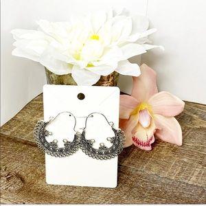 3 for $25 🔥 Semi-Circle Silver Filagree Earrings